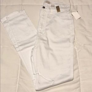 Super white skinny jean